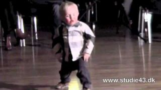 2 year old dancing the jive